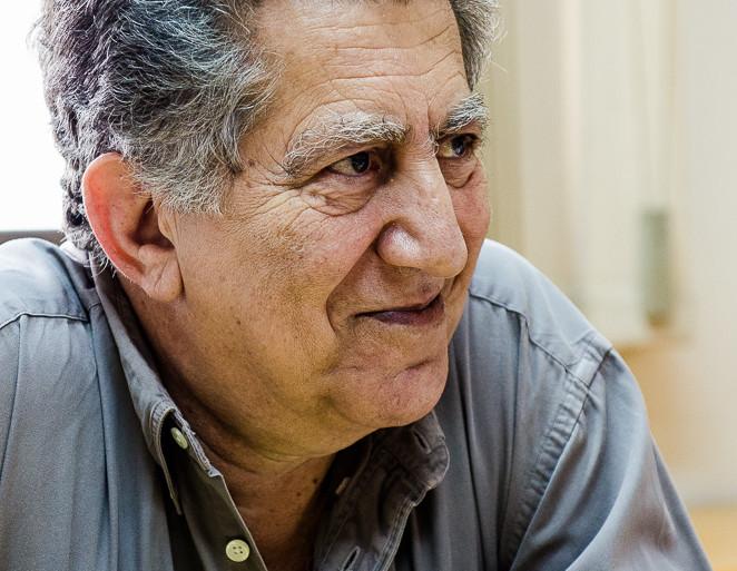 فواز طرابلسي لمجلة الفلق : أن ما فوتته الثورة في ظفار هو سرعة التكيف مع الأوضاع الجديدة في عمان.