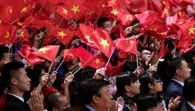 كيف ضعضعت روسيا والصين الديمقراطية